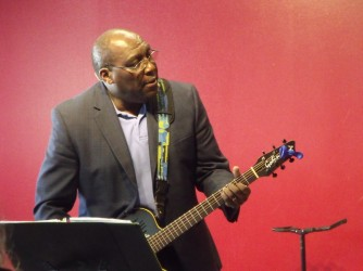 Pastor Earl Wallce